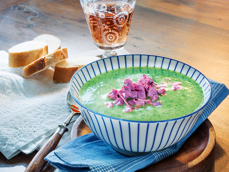 Rucola-Cremesuppe mit Rote Beete Topping
